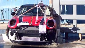 2015款MINI COOPER 侧面柱形碰撞测试