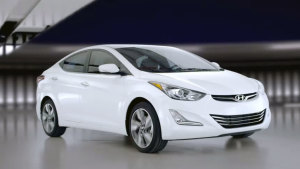 现代朗动海外版 白色车身灵活出击