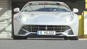 40辆法拉利F12 berlinetta 赛道竞速