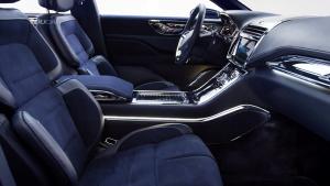 林肯大陆概念车 可30个方向调节座椅