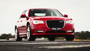 2016款克莱斯勒300SRT 搭载6.4升V8引擎