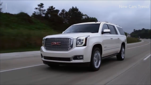 2016款GMC Yukon 配备IntelliBeam大灯