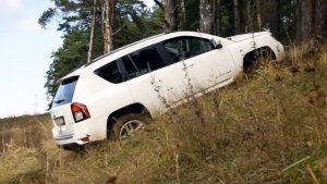 Jeep指南者户外越野 美女司机暴力测试