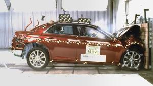 2016款克莱斯勒300 NHTSA正面碰撞测试