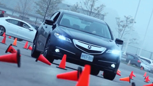 2016款讴歌TLX中级性能车 约合20.8万元