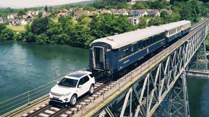 发现神行超强牵引力 拉100吨列车驰骋