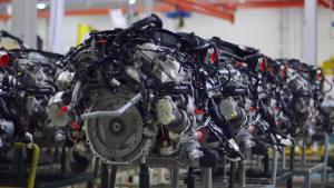宾利添越 全新W12发动机生产车间探秘