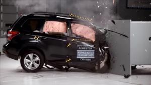 2015款森林人乘客侧 IIHS正面25%碰撞