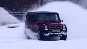 奔驰AMG G 63越野车 雪地上演神漂移