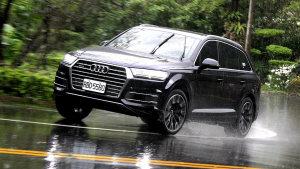 七人座豪华SUV 媒体试驾全新款奥迪Q7