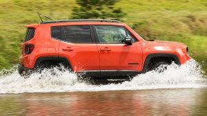 越野湿身 2016款Jeep自由侠玩转泥泞路