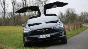 特斯拉Model X P90D 最快7座SUV