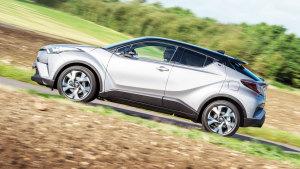 丰田C-HR造型时尚 入侵小型SUV市场