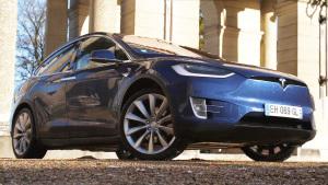 全新特斯拉Model X 标配全轮驱动