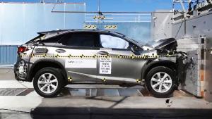 2017款雷克萨斯RX350 正面碰撞测试