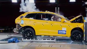 2018款沃尔沃XC60 正面碰撞测试