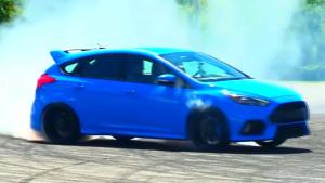 小钢炮福特福克斯RS 赛道漂移浓烟滚滚