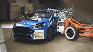 2017款福特福克斯RS NHTSA侧面碰撞测试