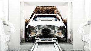 探访奔驰工厂 从裸车到完美涂装