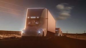 特斯拉Semi纯电动卡车 续航达800公里
