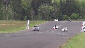 650 马力奔驰ML63 AMG直线加速对抗跑车