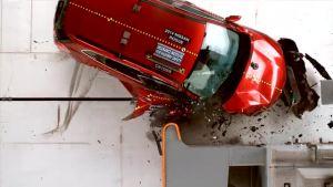 2014款日产奇骏 副驾侧 美国高速安全碰撞测试