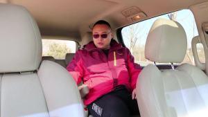 中国销量第一的MPV,售价30多万,内饰竟然全是塑料!