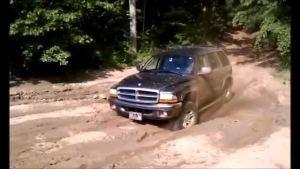 杜兰戈给泥泞路段做spa