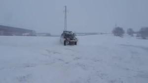 下雪天铃木Grand Vitara的雪地越野表现