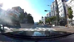 韩国街头Mustang与A45飙车失控撞车