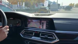 宝马X5全自动泊车