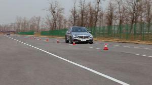 奔驰C260L超级评测空载刹车测试