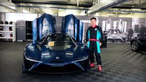 上海国际赛车场雨中试驾蔚来EP9