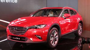 快评:造型骚气的轿跑SUV马自达CX-4到底怎么样?