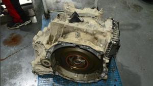 沃尔沃V60 V70 车在跑起来的时候会响