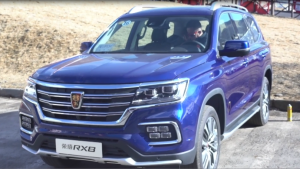 全领域硬派大7座豪华SUV荣威RX8挑战崇礼太舞赛道