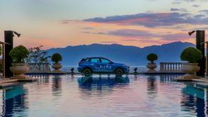 一款仙气儿十足的SUV,踏云而来,奔腾SENIA R9售8.3