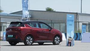 这款售价最高15万的自主新能源车竟然比宝马i3还厉害