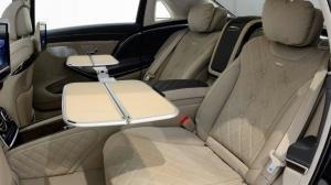 试坐最顶级轿车迈巴赫S680,路上头等舱名副其实