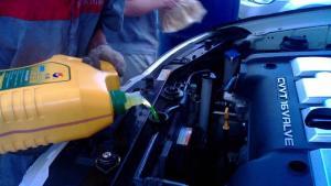 汽修厂保养出坏招,导致油耗增加,车主无处诉苦