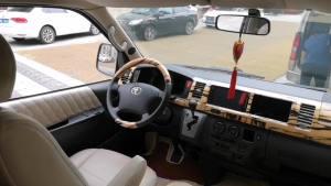 改个车:丰田海狮改装,航空座椅也可以有这个小配件