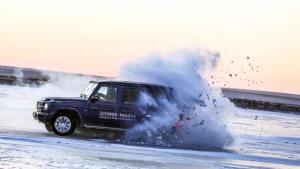 为了教大家在30秒内学会冰雪漂移,我差点狗带了!