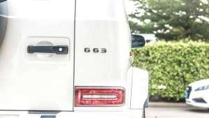 200万豪车的对决:奔驰AMG G63 宾利添越保时捷卡宴turbo拔河比赛