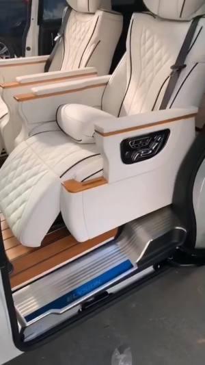 改个车:别克GL8新款改装,8万改装内饰,奢华驾驶体验!