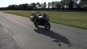 不用人骑就可以自动驾驶的摩托车 你见过吗?