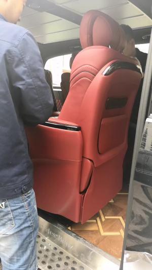 改个车:奔驰威霆内饰改装中排航空椅,可360度旋转的商务型座椅