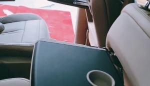 别克gl8商务车内饰装潢,合正柚木地板,提升空间质感