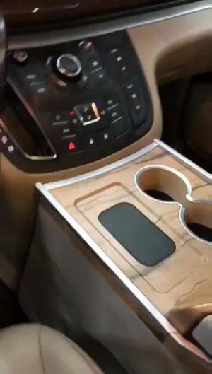 改个车:别克GL8内饰改装中央扶手箱效果展示,这个配置绝了!
