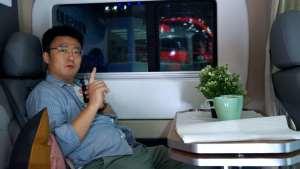 广州车展:大通房车,两个床位不锈钢