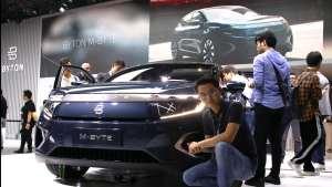 配48寸逆天大屏!广州车展深度体验拜腾首款量产车